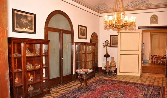 sala-interna-palazzo-de-gregorio